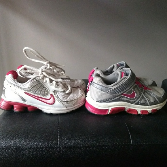 49cd46ef686 2 pair toddler girl sz 11 NIKE shoes. M 5c730603aaa5b836d318cfab